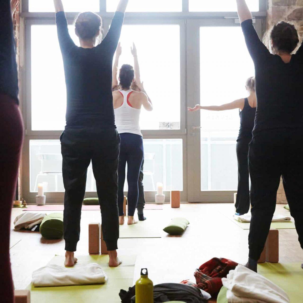 YogaManufaktur_Wuerzburg_Buergerbraeugelaende_Prenatal_Yoga_vor_der_Geburt_in_der_schwangerschaft5